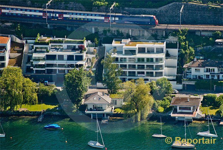 Foto: Wohnhäuser am See.. (Luftaufnahme von Niklaus Wächter)