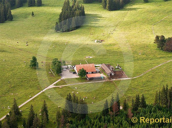 Foto: Bauernhof im Jura.. (Luftaufnahme von Niklaus Wächter)