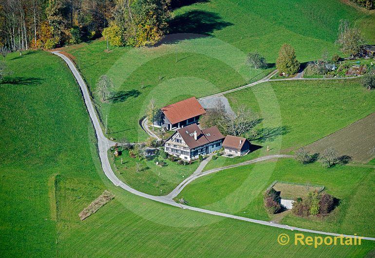 Foto: Bauernhof bei Horgen ZH. (Luftaufnahme von Niklaus Wächter)