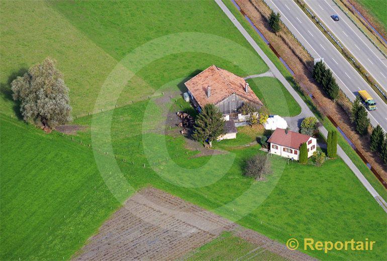 Foto: Autobahn-Hof in der Ostschweiz.. (Luftaufnahme von Niklaus Wächter)