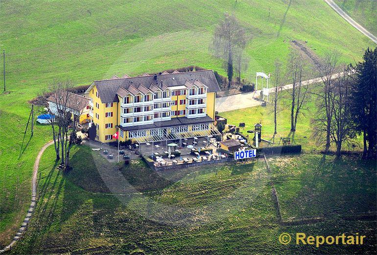 Foto: Das Hotel Himmelrich in Kriens LU.. (Luftaufnahme von Niklaus Wächter)