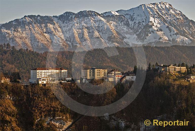 Foto: Die Bürgenstock-Hotels über dem Vierwaldstättersee.. (Luftaufnahme von Niklaus Wächter)
