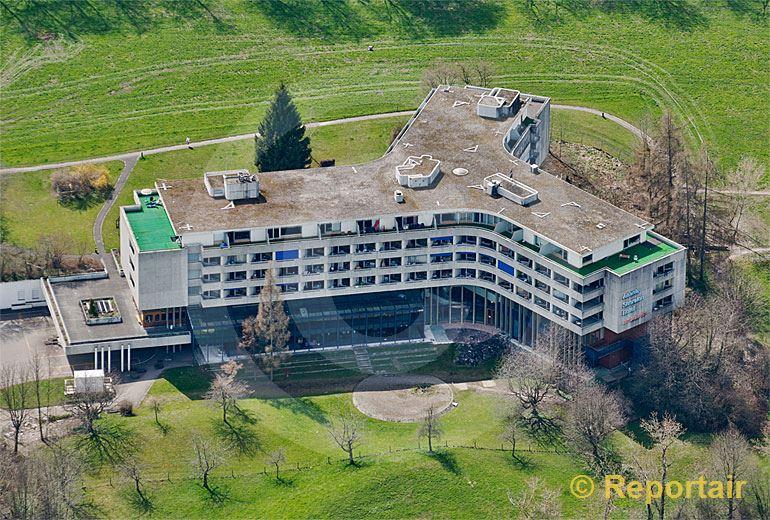 Foto: Das Hotel Atlantis in Zürich. (Luftaufnahme von Niklaus Wächter)