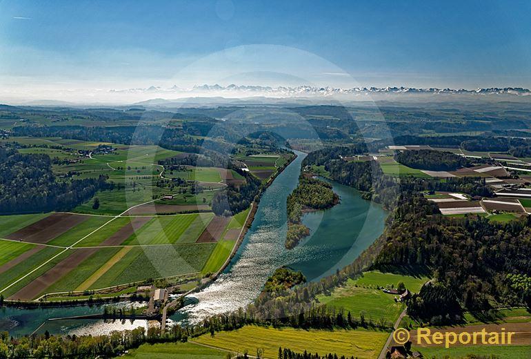 Foto: Die Aare bei Radelfingen BE. (Luftaufnahme von Niklaus Wächter)