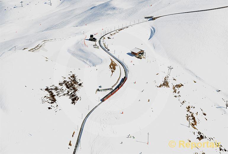 Foto: Unterwegs zum Jungfraujoch. (Luftaufnahme von Niklaus Wächter)