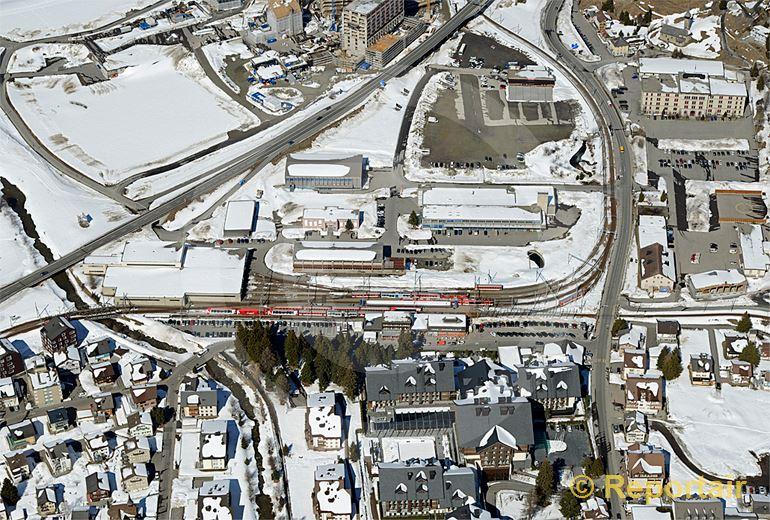 Foto: Bahnhof Andermatt UR.. (Luftaufnahme von Niklaus Wächter)