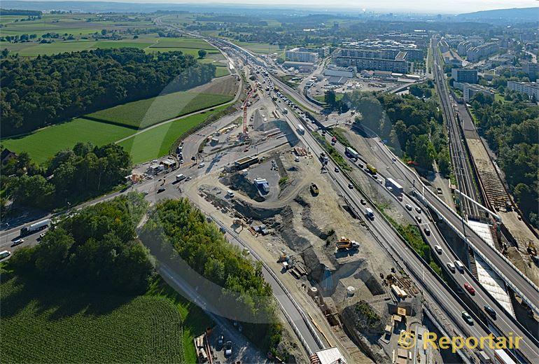 Foto: Ausbau der Nordumfahrung Zürich. Blick auf die Baustelle bei Affoltern. (Luftaufnahme von Niklaus Wächter)