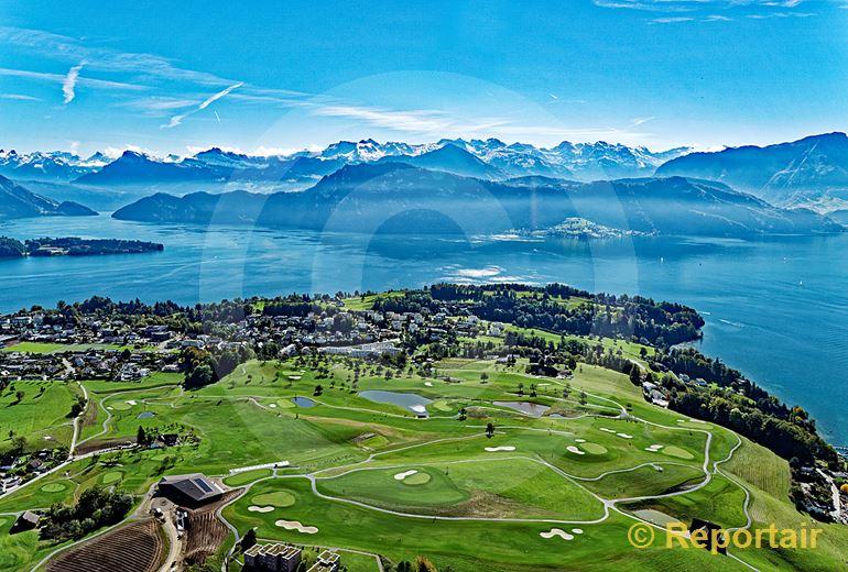 Foto: Und das Luzerner Steuerparadies Meggen LU hat jetzt auch einen Golfplatz. (Luftaufnahme von Niklaus Wächter)