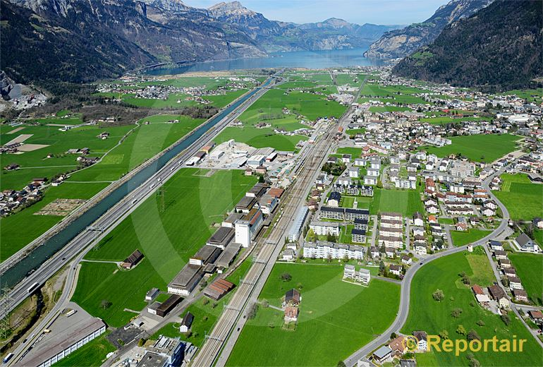 Foto: Der Bahnhof Altdorf dürfte als nächstgelegener Bahnhof beim Gotthard-Basistunnel-Nordportal an Bedeutung gewinnen. (Luftaufnahme von Niklaus Wächter)