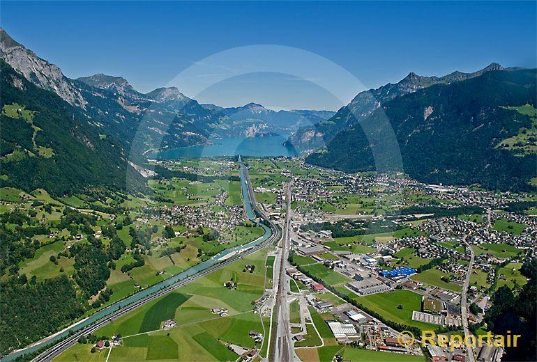 Foto: Reussebene bei Altdorf UR. (Luftaufnahme von Niklaus Wächter)