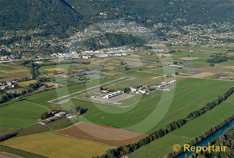Foto: Der Flugplatz Locarno TI. (Luftaufnahme von Niklaus Wächter)