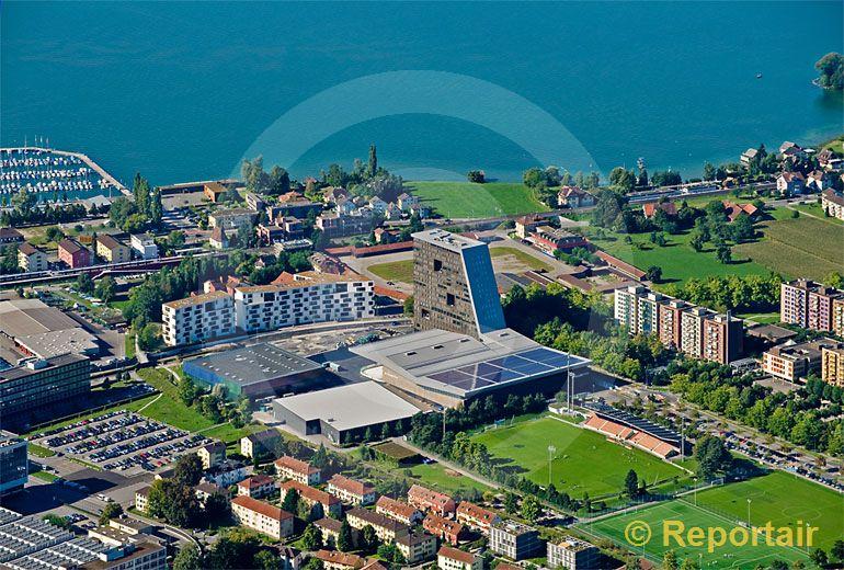 Foto: Das neue Eisstadion in Zug . (Luftaufnahme von Niklaus Wächter)