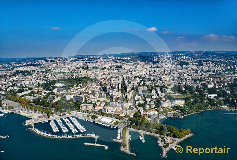 Foto: Lausanne mit seinem Stadtteil Ouchy im Vordergrund. (Luftaufnahme von Niklaus Wächter)