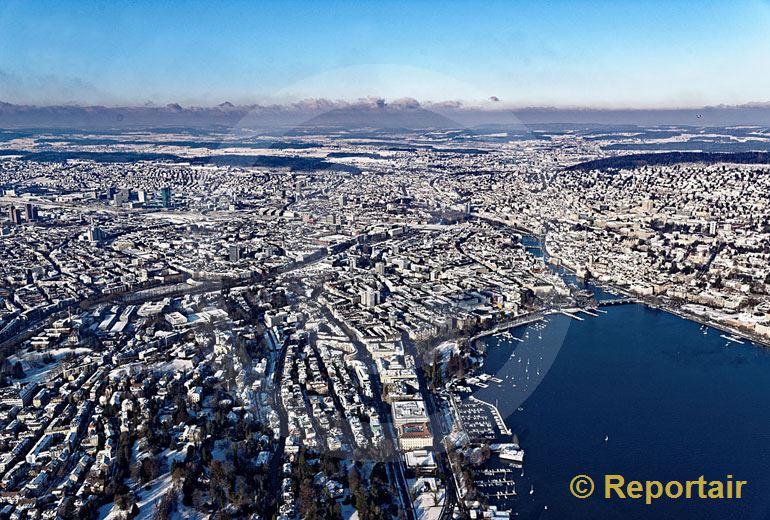 Foto: Zürich im Schnee. (Luftaufnahme von Niklaus Wächter)