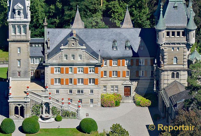 Foto: Das Schloss Castell in Tägerwilen TG zählt  zu den bedeutendsten historistischen Schlossanlagen der Schweiz. (Luftaufnahme von Niklaus Wächter)