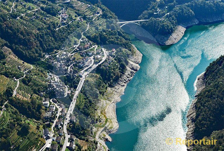 Foto: Am Lago di Vogorno TI. (Luftaufnahme von Niklaus Wächter)