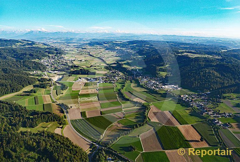 Foto: Das Suhrental bei Staffelbach AG. (Luftaufnahme von Niklaus Wächter)