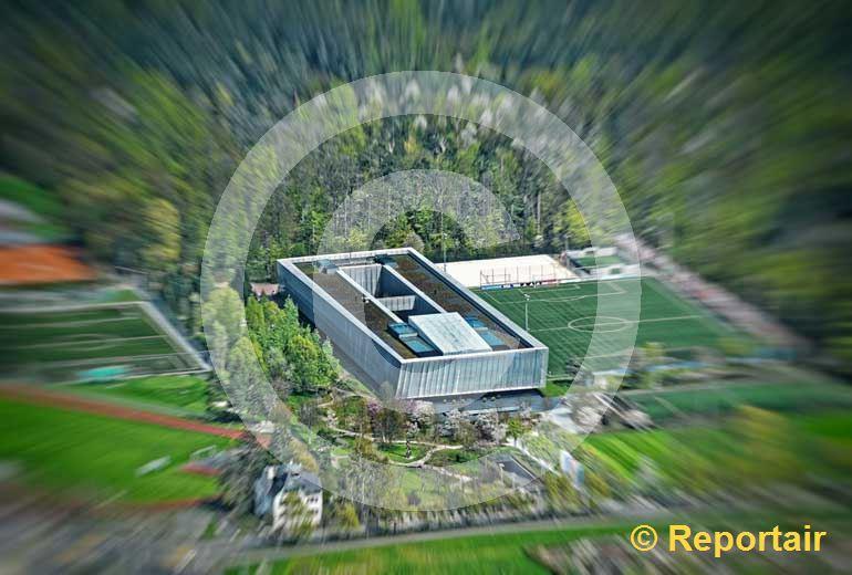 Foto: Frühlingsstimmung am FIFA-Hauptsitz in Zürich. (Luftaufnahme von Niklaus Wächter)