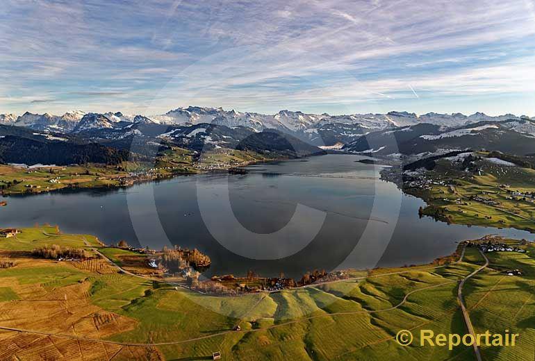 Foto: Der Sihlsee (SZ) im Winter. (Luftaufnahme von Niklaus Wächter)