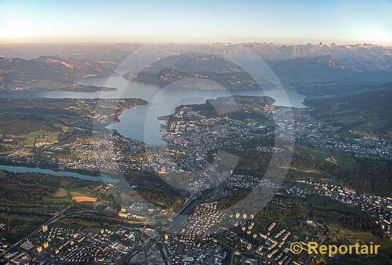 Foto: Die Region Luzern im Abendlicht.. (Luftaufnahme von Niklaus Wächter)