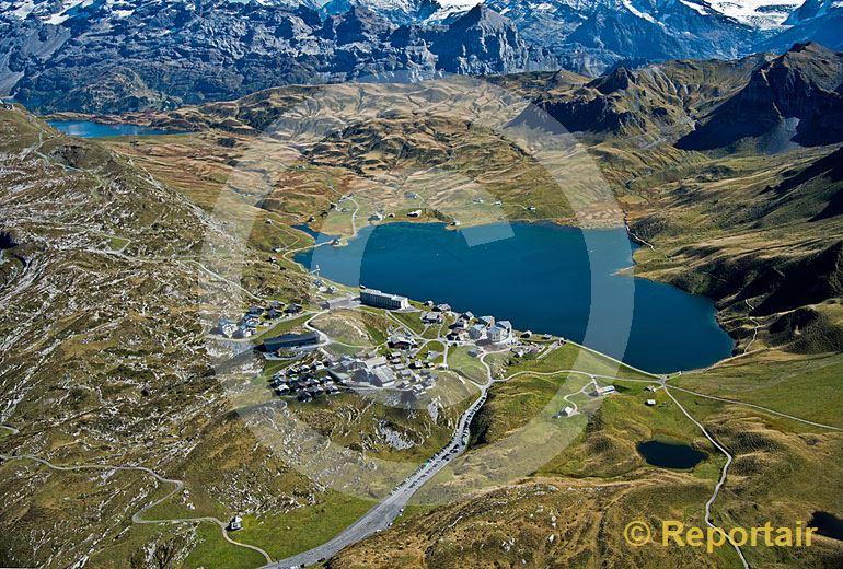 Foto: Melchsee-Frutt ist einer der höchstgelegenen Ferienorte der Schweiz. (Luftaufnahme von Niklaus Wächter)