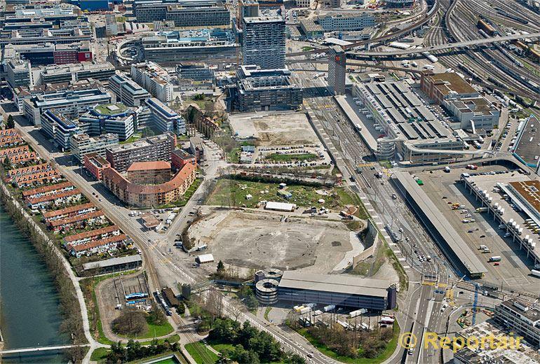 Foto: Das Hardturm-Stadion in Zürich im Jahre 2013.. (Luftaufnahme von Niklaus Wächter)