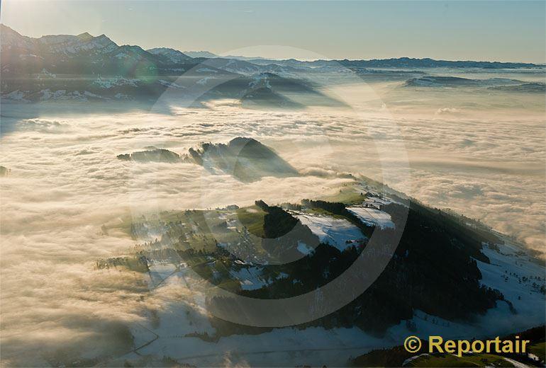 Foto: Nebelmeer bei Luzern.. (Luftaufnahme von Niklaus Wächter)