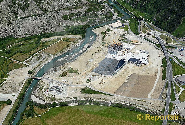 Foto: In Andermatt entsteht ein Luxus Resort.. (Luftaufnahme von Niklaus Wächter)