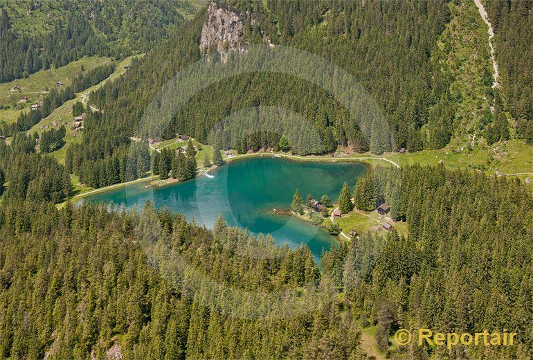 Foto: Seinen südlichen Abschluss bildet der Arnisee. (Luftaufnahme von Niklaus Wächter)