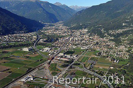 Luftaufnahme Autobahnen A2 Bei Giubiasco Ti Foto
