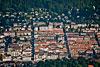 Foto 388: La Chaux-de-Fonds ist die grösste Stadt des Hochjuras und drittgrösste Stadt der Romandie und fällt durch eine sehr disziplinierte Stadtarchitektur.