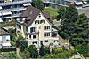 Foto 545: Mit 79 Jahren ist Udo Jürgens von seinem langjährigen Wohnort Zumikon (ZH) in dieses altehrwürdige Haus mit Seesicht in Meilen (ZH) umgezogen.