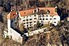 Foto 389: Das Schloss Rhäzüns gehört Alt-Bundesrat Christoph Blocher.