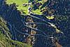 Foto 41: Strassenbau im Gebirge. Immer wieder wird die Strasse zwischen Amsteg und Bristen UR verschüttet.