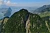Foto 44: Der Vitznauerstock SZ wird auch Gersauerstock genannt und trohnt bis zu 1452 m.ü.M. über dem Vierwaldstättersee.