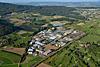 Foto 64: Vorbildlich begrenzt - das Industriegebiet von Otelfingen ZH.