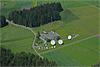 Foto 74: Abhorchstation in idyllischer Umgebung Am Buchholterberg bei Heimenschwand BE stehen die grossen Parabolspiegel des Schweizer Geheimdienstes.