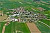 Foto 338: Vorbildliche Siedlungsplanung in Fontaines (NE) oberhalb Neuchatel..